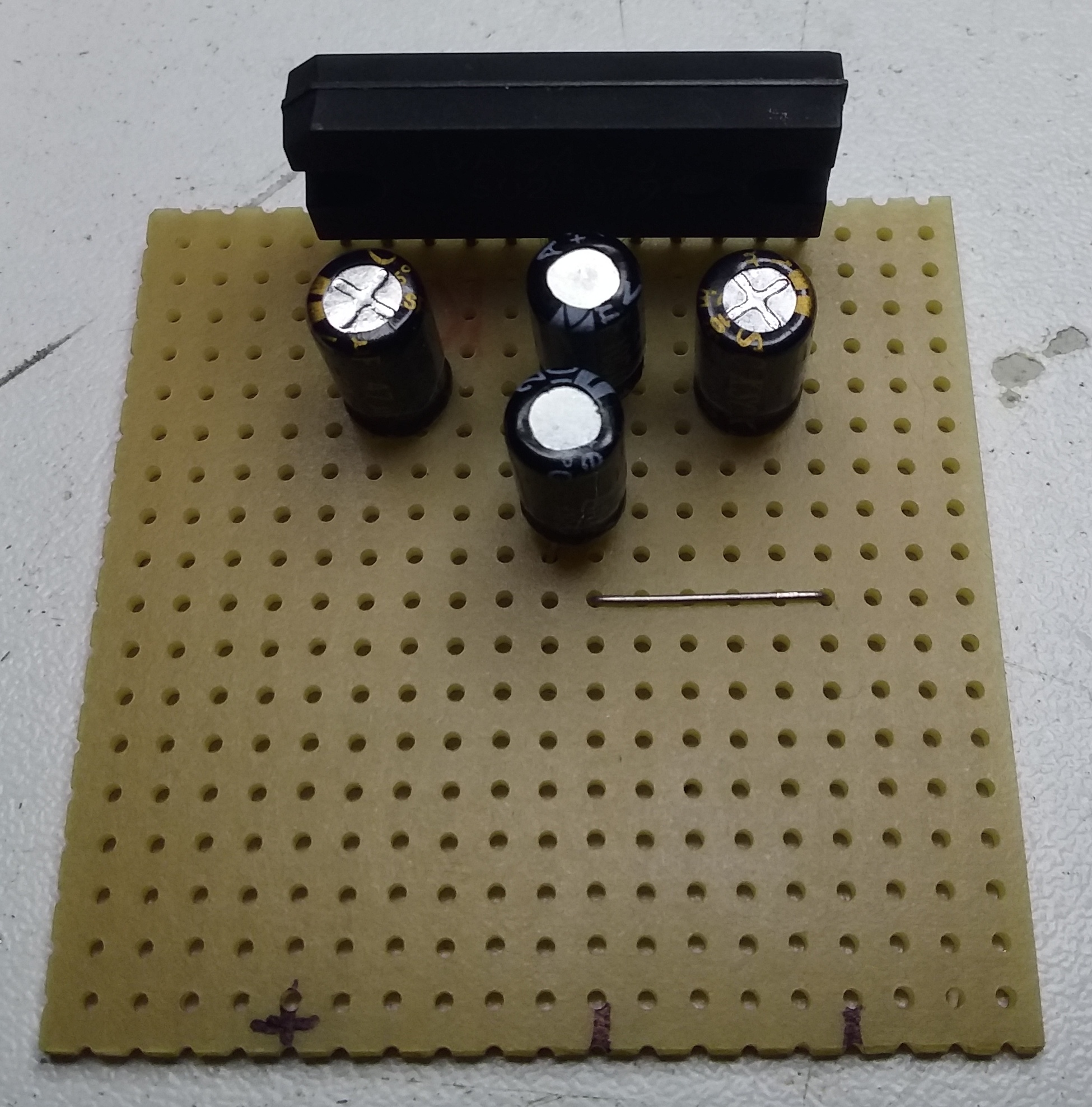 Ampli BA5406-04