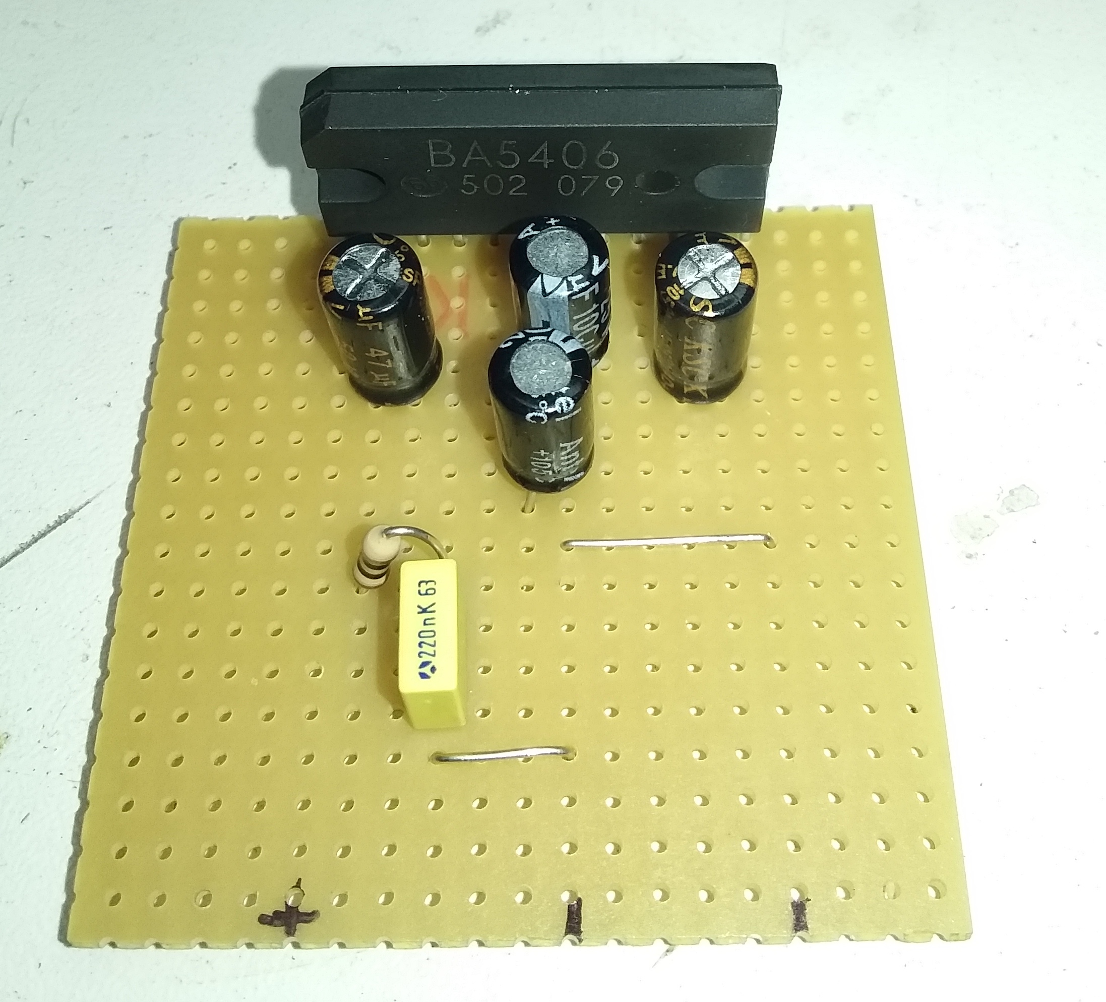 Ampli BA5406-05