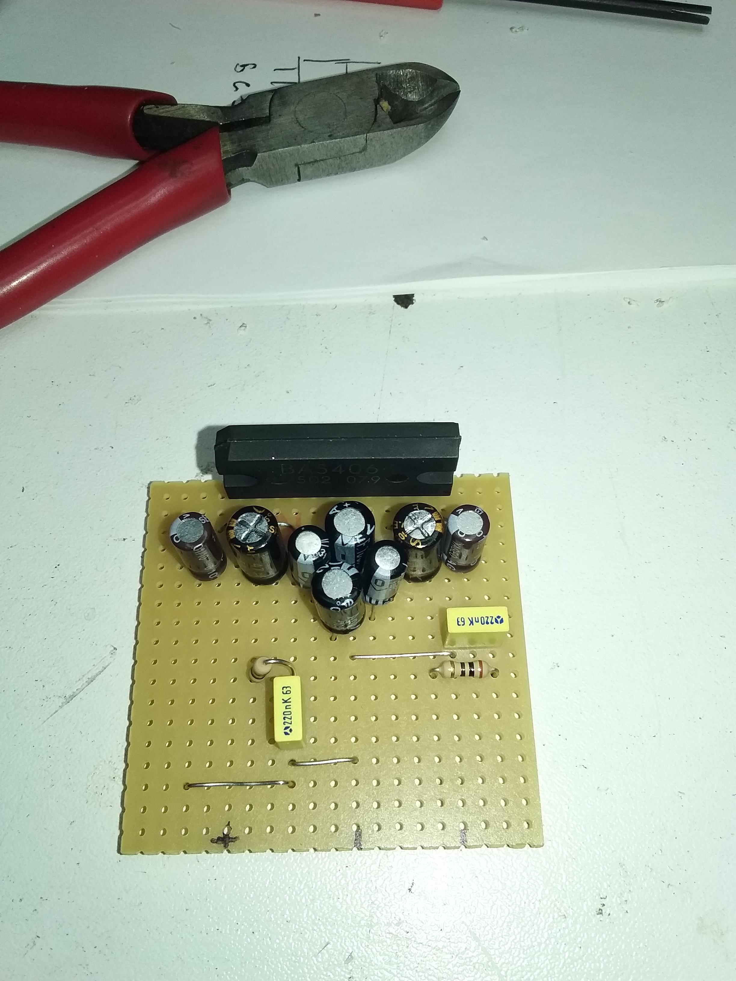 Ampli BA5406-07
